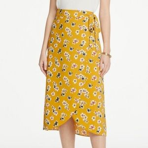 Ann Taylor Floral Wrap Yellow Skirt sz 6